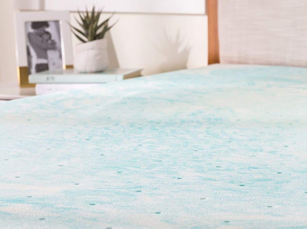 linenspa mattress topper with gel foam